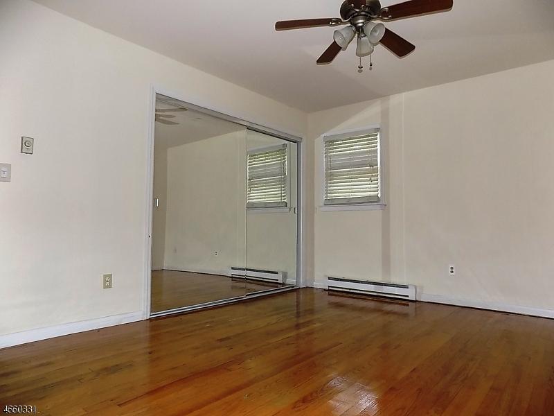 Additional photo for property listing at 95 Longwood Lake Road  Oak Ridge, New Jersey 07438 États-Unis