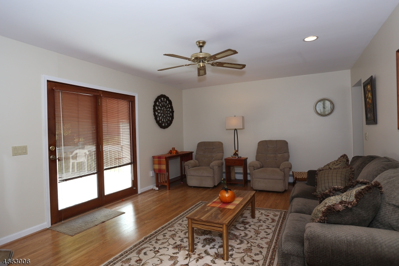 Additional photo for property listing at 27 Slate Hill Road  Newton, Нью-Джерси 07860 Соединенные Штаты