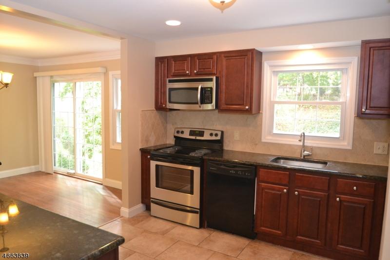 Additional photo for property listing at 82 White Meadow Road  Rockaway, Nueva Jersey 07866 Estados Unidos