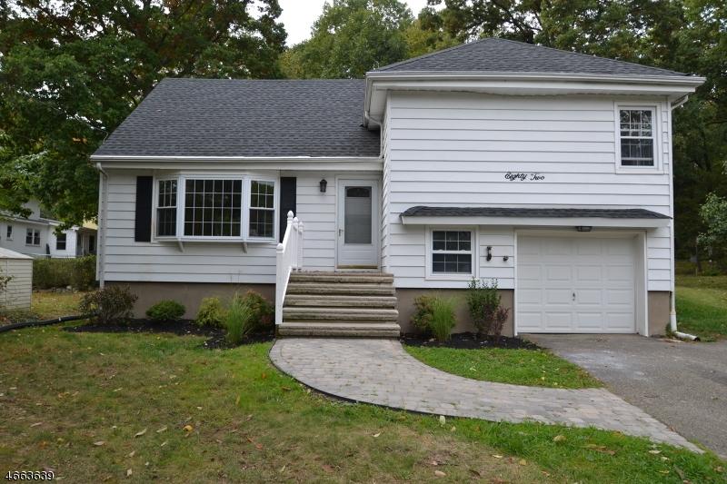 Casa Unifamiliar por un Alquiler en 82 White Meadow Road Rockaway, Nueva Jersey 07866 Estados Unidos
