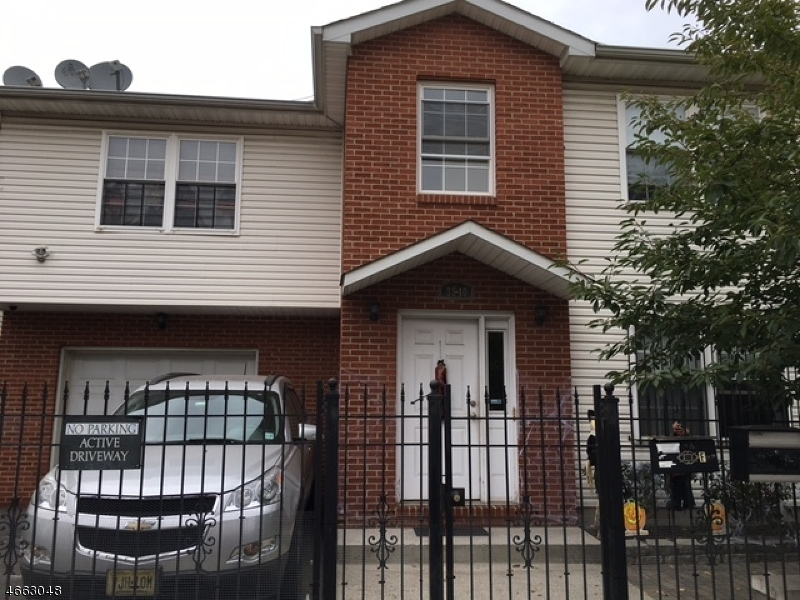 Additional photo for property listing at 38-40 MANUFACTURERS Place  Newark, New Jersey 07105 États-Unis