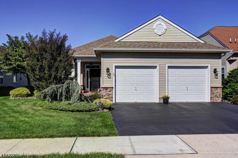 Частный односемейный дом для того Продажа на 27 Medici Drive Somerset, Нью-Джерси 08873 Соединенные Штаты
