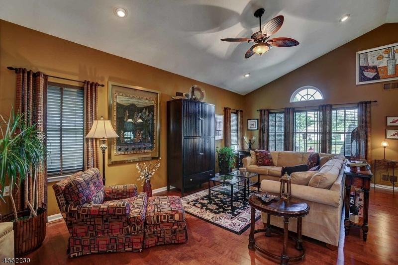 Additional photo for property listing at 27 Medici Drive  Somerset, Нью-Джерси 08873 Соединенные Штаты
