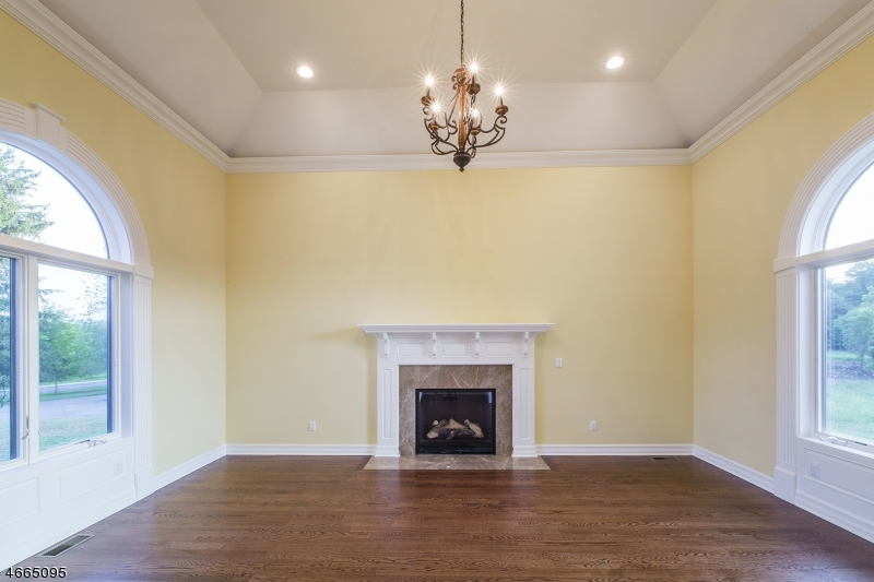 Additional photo for property listing at 4 Alexander Drive  Raritan, Nueva Jersey 08822 Estados Unidos