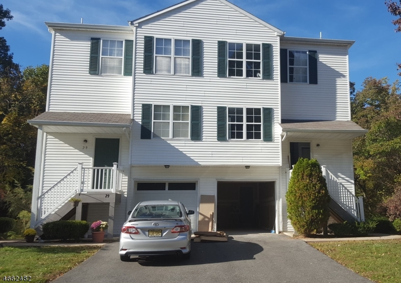 Maison unifamiliale pour l à louer à 31 RAILROAD Avenue Netcong, New Jersey 07857 États-Unis
