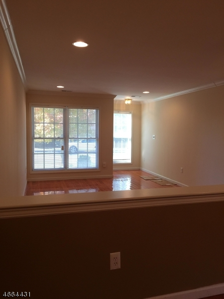 Additional photo for property listing at 68 Spruce Lane  Haledon, Nueva Jersey 07508 Estados Unidos