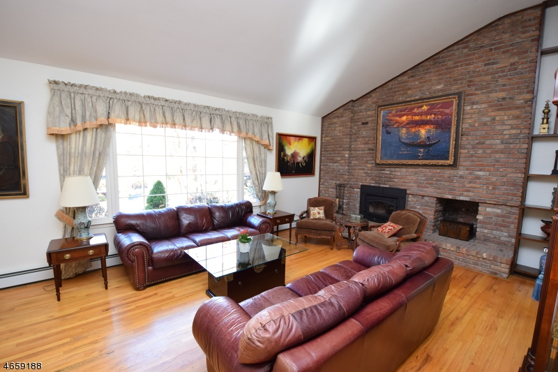 Additional photo for property listing at 32 Christy Drive  Warren, 新泽西州 07059 美国