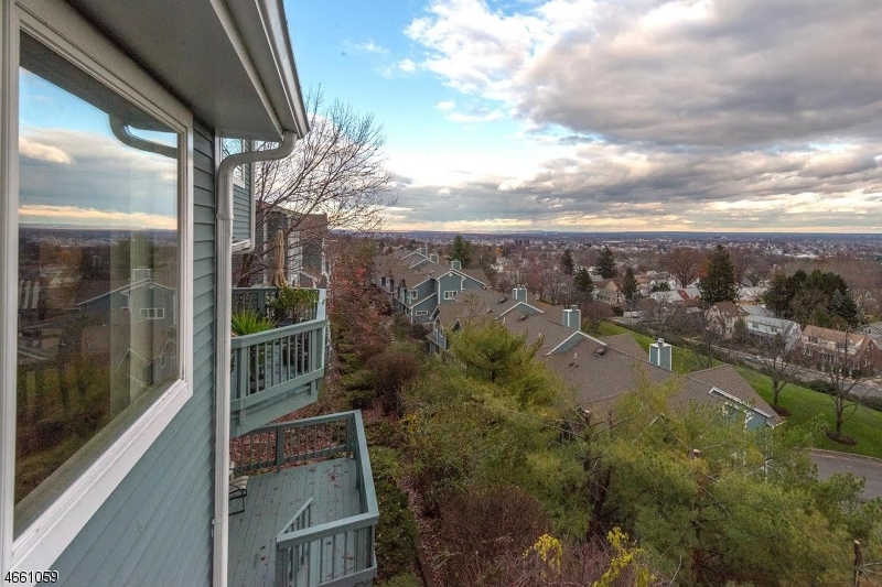 Additional photo for property listing at 64 Skyview Ter  Clifton, New Jersey 07013 United States