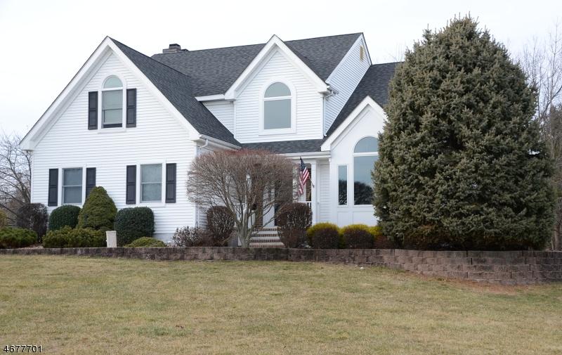 独户住宅 为 销售 在 27 Foxfire Lane 克林顿, 08809 美国