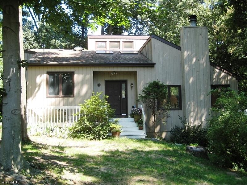 Частный односемейный дом для того Аренда на 3 CRAVEN Road Mountain Lakes, Нью-Джерси 07046 Соединенные Штаты