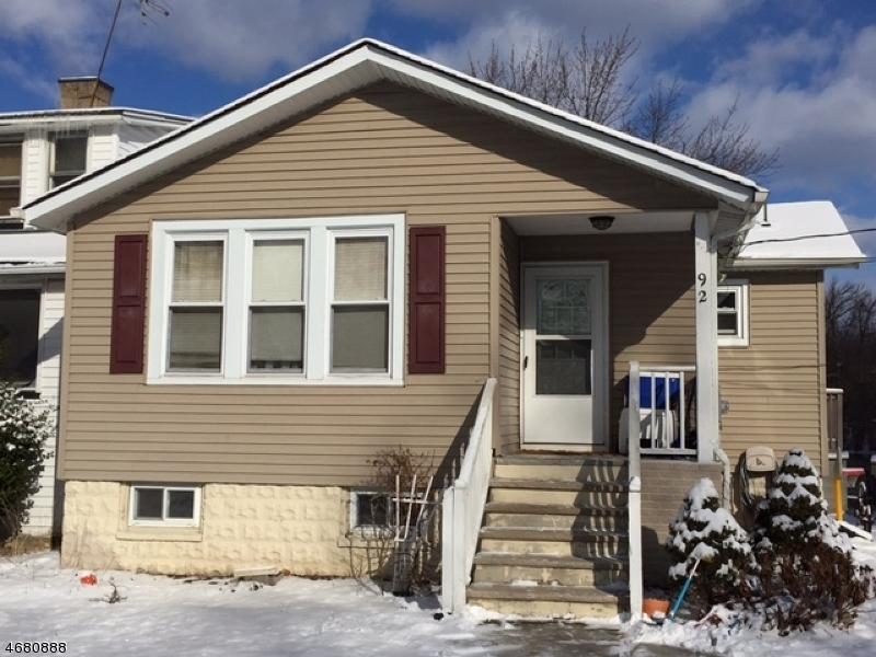 Casa Unifamiliar por un Alquiler en 92 Island Avenue Little Falls, Nueva Jersey 07424 Estados Unidos