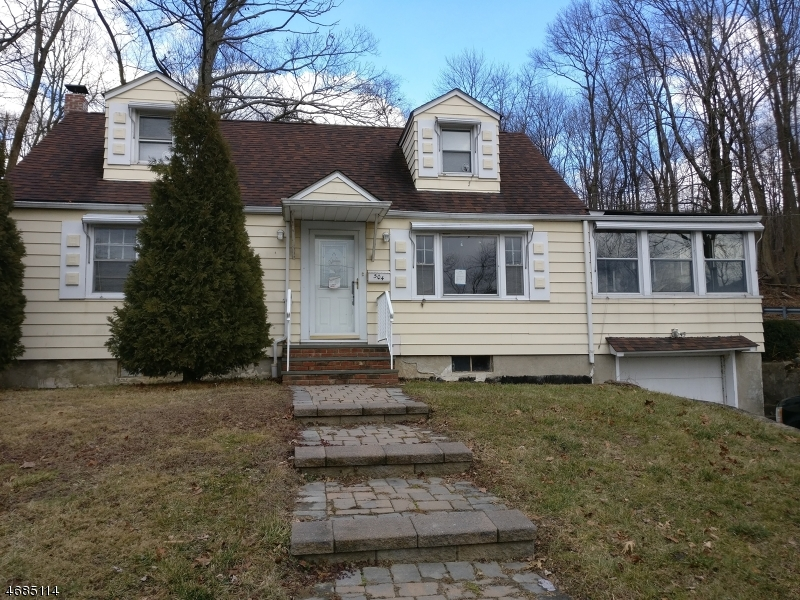 Частный односемейный дом для того Продажа на 504 MAIN ST LAND Landing, 07850 Соединенные Штаты
