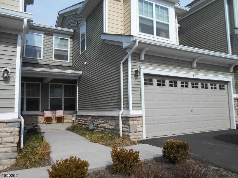 Maison unifamiliale pour l Vente à 5 Alexanders Road Allamuchy, New Jersey 07840 États-Unis
