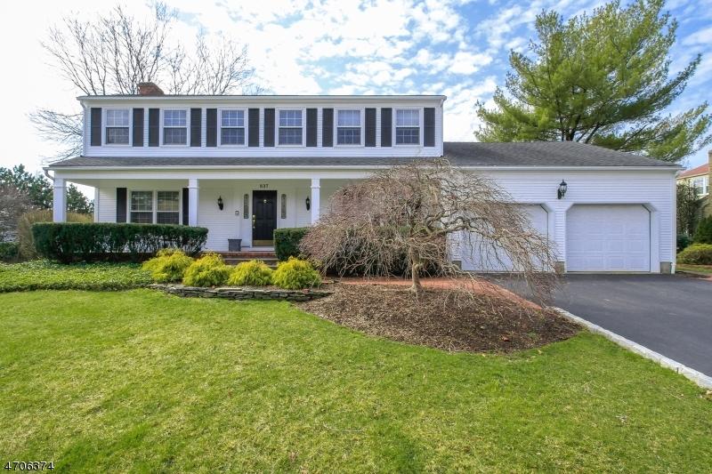 独户住宅 为 销售 在 837 Ellis Place Oradell, 新泽西州 07649 美国