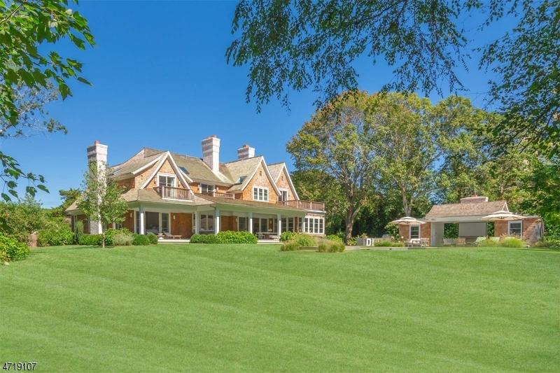 Maison unifamiliale pour l Vente à 239 Glen Place Franklin Lakes, New Jersey 07417 États-Unis