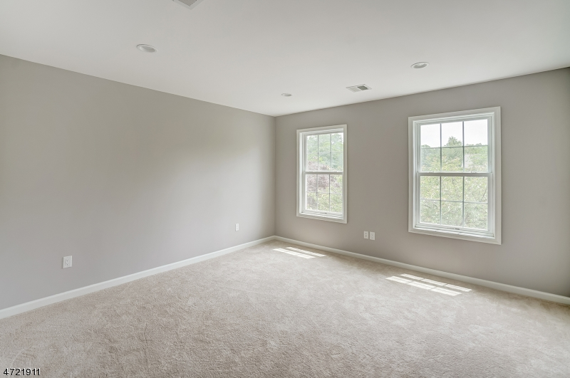 Additional photo for property listing at 184 Pitt Road  Springfield, New Jersey 07081 États-Unis