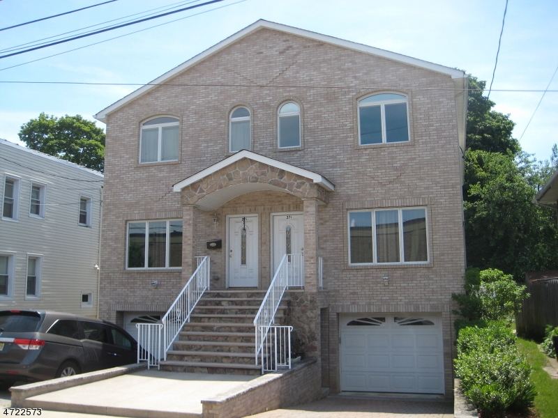Частный односемейный дом для того Продажа на 27 Summer St, UNIT B Lodi, 07644 Соединенные Штаты