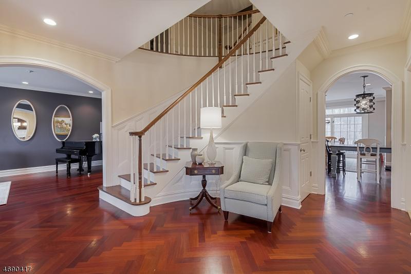 独户住宅 为 销售 在 141 Hillcrest Avenue 萨米特, 新泽西州 07901 美国
