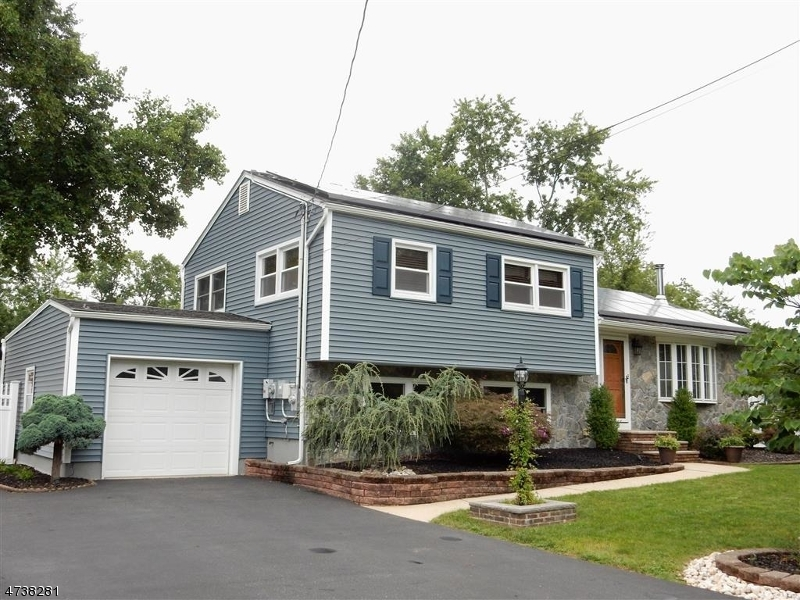 Single Family Home for Sale at 80 Gaskin Ave Spotswood, New Jersey 08884 United States
