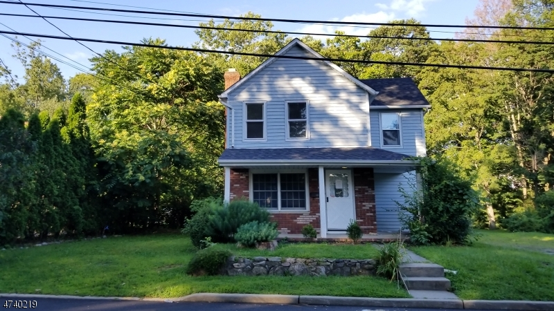 Single Family Home for Sale at 34 Star Lake Road 34 Star Lake Road Bloomingdale, New Jersey 07403 United States