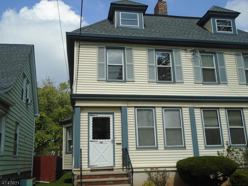 Maison unifamiliale pour l à louer à 131 E Grant Avenue Roselle Park, New Jersey 07204 États-Unis