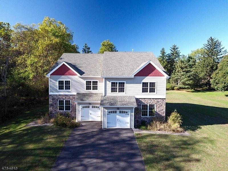 独户住宅 为 销售 在 10 RIVERSIDE Drive 10 RIVERSIDE Drive 克林顿, 新泽西州 08809 美国
