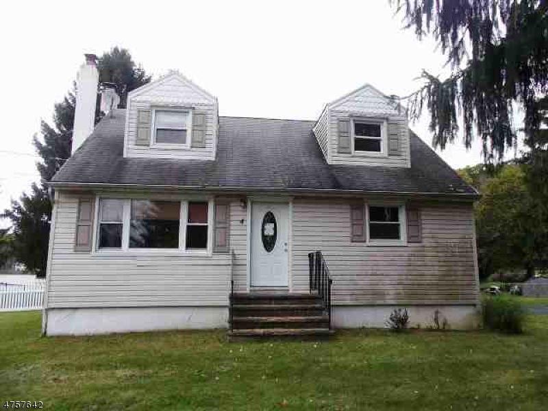 Einfamilienhaus für Verkauf beim 4 Park Lane 4 Park Lane Andover Township, New Jersey 07860 Vereinigte Staaten