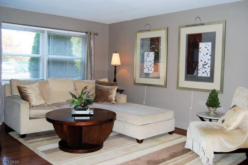 Частный односемейный дом для того Аренда на 21-1B HINCHMAN Avenue Wayne, Нью-Джерси 07470 Соединенные Штаты