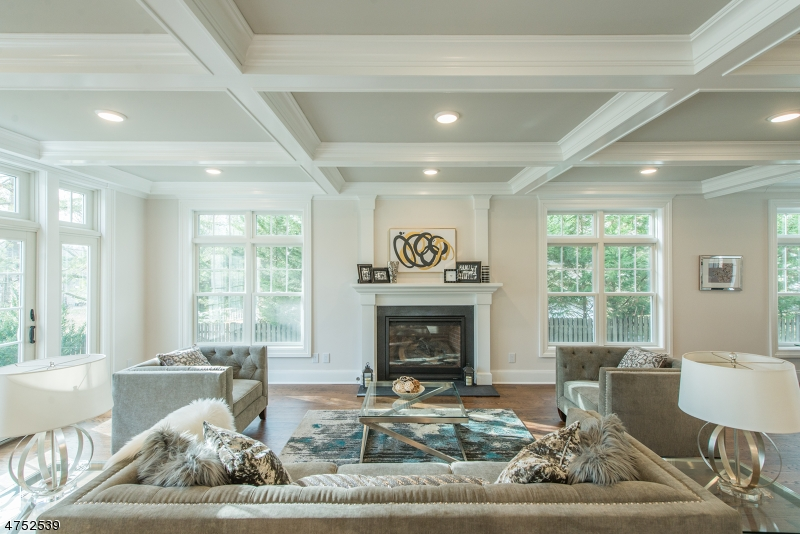 Enfamiljshus för Försäljning vid 6 Jay Road Chatham, New Jersey 07928 Usa