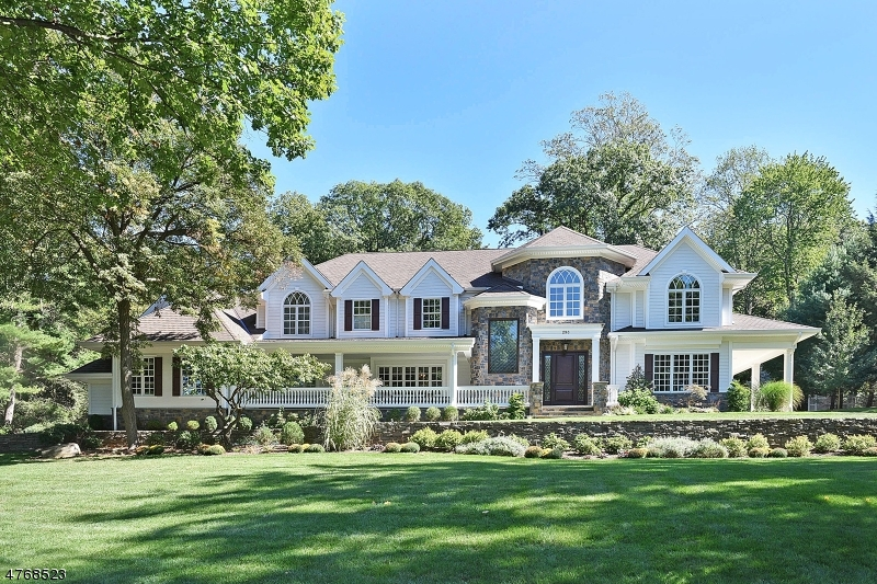 Maison unifamiliale pour l Vente à 293 Greenridge Road Franklin Lakes, New Jersey 07417 États-Unis