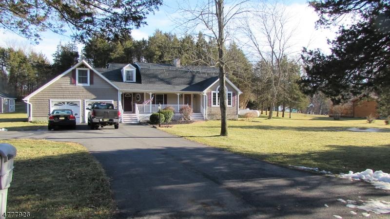 Tek Ailelik Ev için Satış at 215 Bear Creek Road 215 Bear Creek Road Andover, New Jersey 07821 Amerika Birleşik Devletleri