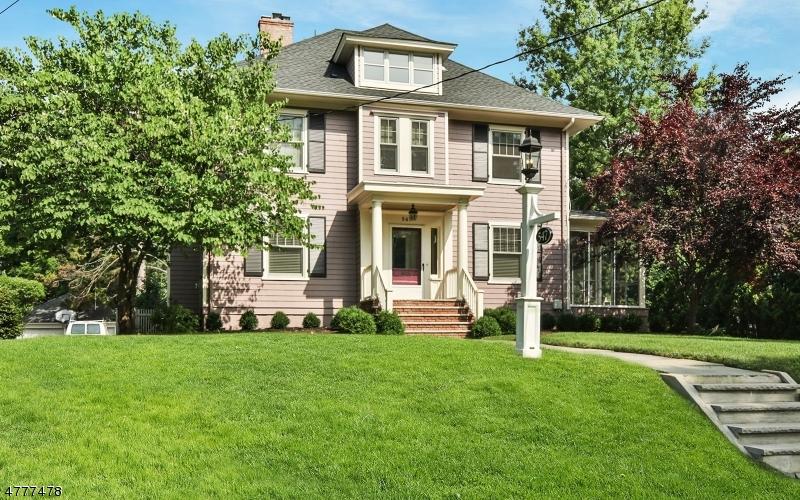 Maison unifamiliale pour l à louer à 547 Saint Marks Avenue Westfield, New Jersey 07090 États-Unis