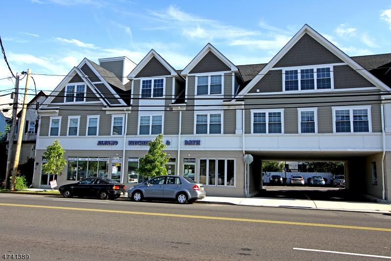 Частный односемейный дом для того Аренда на 325-331 SOUTH Avenue Garwood, Нью-Джерси 07027 Соединенные Штаты