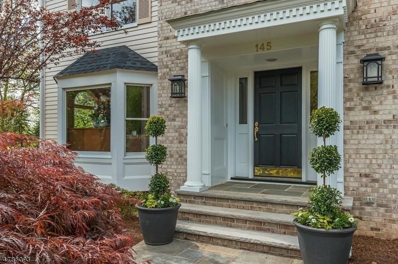 Частный односемейный дом для того Продажа на 145 GREEN Avenue Madison, Нью-Джерси 07940 Соединенные Штаты