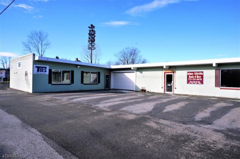 Comercial por un Venta en 412 Route 206 Montague, Nueva Jersey 07827 Estados Unidos