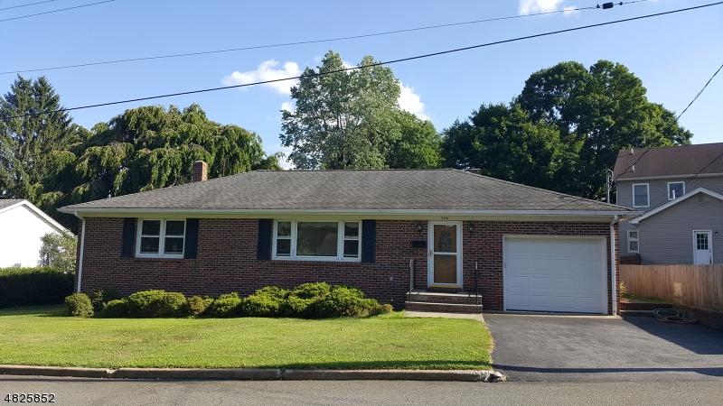Maison unifamiliale pour l Vente à 104 6TH Street Hackettstown, New Jersey 07840 États-Unis