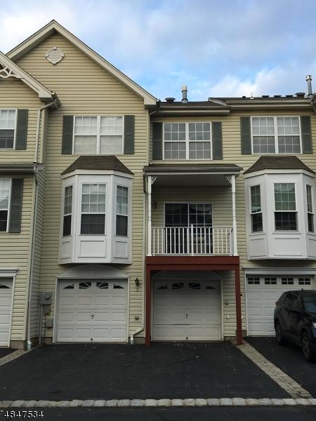 Condo / Maison de ville pour l à louer à 3 WORTHINGTON TER Raritan, New Jersey 08822 États-Unis