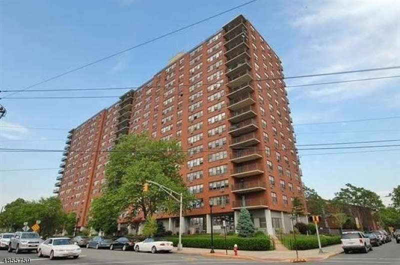 Condo / Townhouse for Sale at 500 Central Ave Unit 304 Union, New Jersey 07087 United States