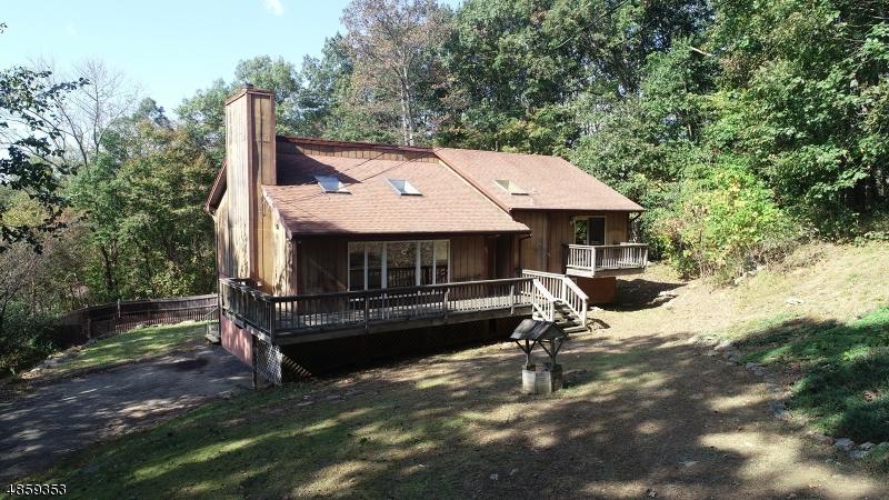 Частный односемейный дом для того Продажа на 2 LEO Avenue Stanhope, Нью-Джерси 07874 Соединенные Штаты