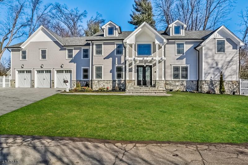 Single Family Homes 為 出售 在 Haworth, 新澤西州 07641 美國