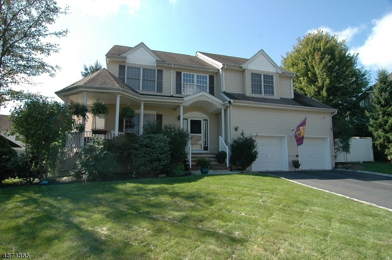 Single Family Home for Sale at 3 POE CT 3 POE CT Roxbury Township, New Jersey 07852 United States