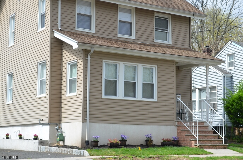 Single Family Home for Sale at 688 W SCOTT AVE 688 W SCOTT AVE Rahway, New Jersey 07065 United States