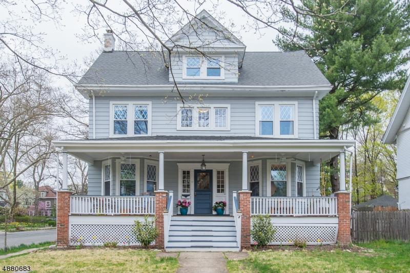 Maison unifamiliale pour l Vente à 17 RUDD Court Glen Ridge, New Jersey 07028 États-Unis