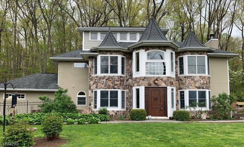 Single Family Home for Sale at Readington Township, New Jersey 08833 United States