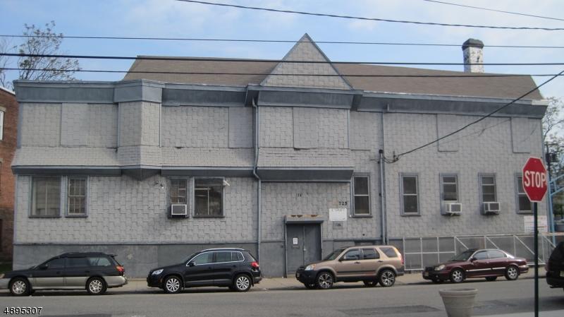 Commercial pour l Vente à Elizabeth, New Jersey 07206 États-Unis