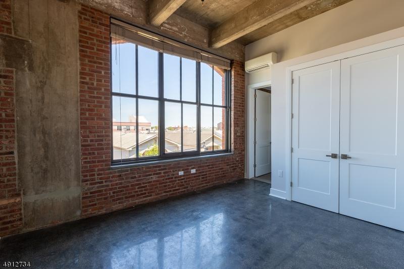 Property voor Huren op Newark, New Jersey 07105 Verenigde Staten