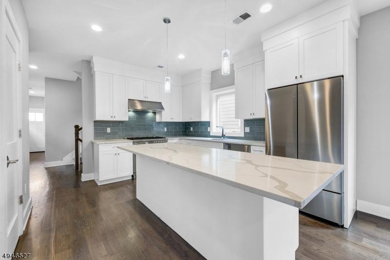 Condominio/ Casa de pueblo por un Alquiler en Millburn, Nueva Jersey 07041 Estados Unidos