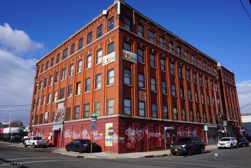 Commercial للـ Rent في Newark, New Jersey 07114 United States