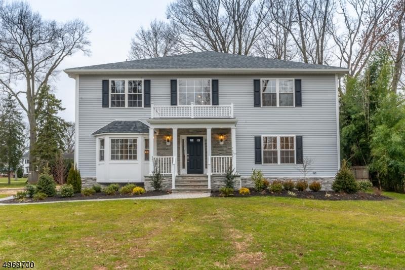 Single Family Homes por un Venta en Clark, Nueva Jersey 07066 Estados Unidos