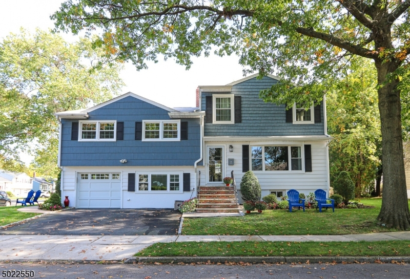 Single Family Homes för Försäljning vid Bloomfield, New Jersey 07003 Förenta staterna